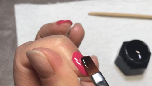ジェルネイルのワンカラー塗り方|セルフ初心者でも綺麗に塗る7つのコツ