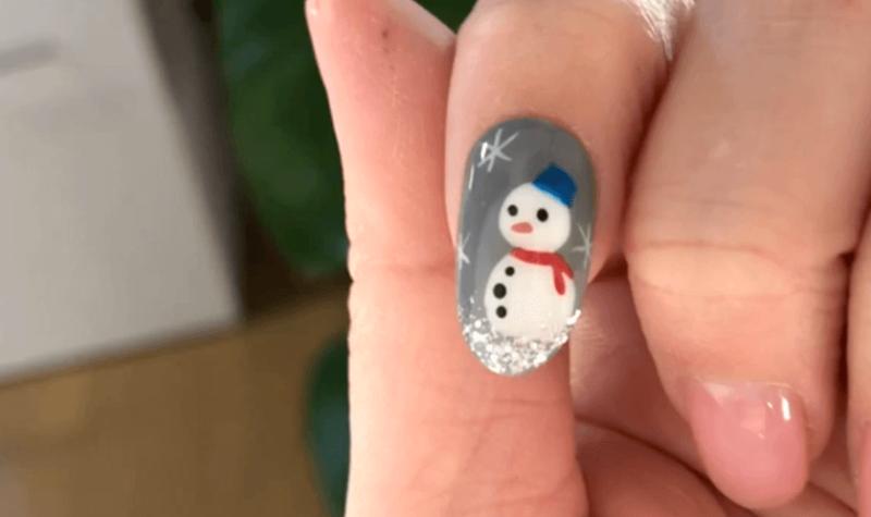 ジェルネイルでクリスマスネイル「雪だるま」のやり方ポイント